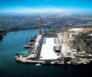 马耳他30万吨级干船坞
