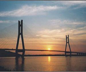 军山长江公路大桥