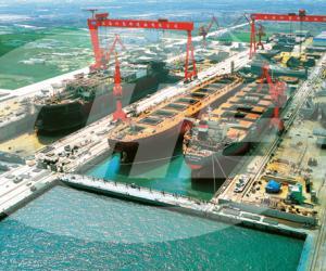 上海外高桥造船基地船坞