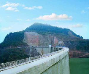 重庆藤子沟水电站双曲拱坝