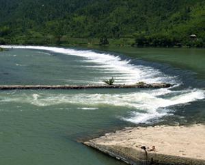 通济堰大坝—首创了拱坝形式